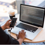 5 Challenges You Might Face While iPhone App Development (And the Possible Solutions)
